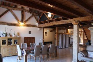 Maison de caractère HAUTEVILLE LOMPNES 230 m² ()