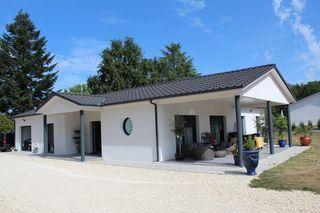 Maison plain-pied PERIGUEUX 157 m² ()