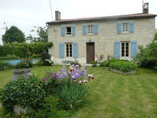 Maison LA FOYE MONJAULT 150 m² ()