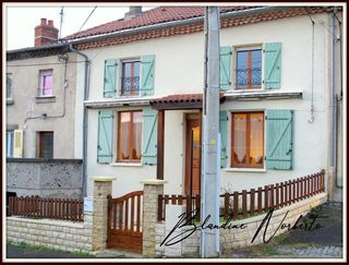 Maison de village VERTAIZON 88 m² ()
