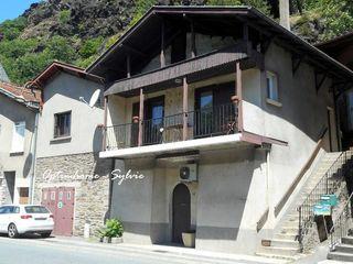 Maison LIVINHAC LE HAUT 55 m² ()