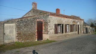 Maison en pierre COUFFE 90 m² ()
