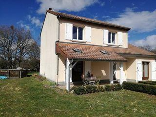 Maison ISSOIRE 101 m² ()