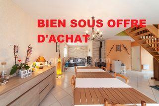 Maison contemporaine MEREY SOUS MONTROND 106 m² ()