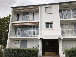 Appartement en résidence DOURDAN 100 m² ()