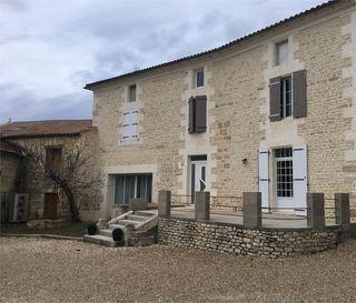 Maison de caractère ANAIS 219 m² ()