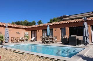Villa LA CADIERE D'AZUR 110 m² ()