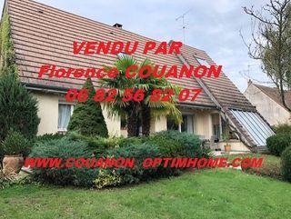 Villa d'architecte SAINT CYR SOUS DOURDAN 240 m² ()