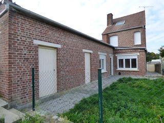 Maison de village BIACHE SAINT VAAST 110 m² ()