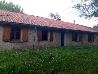 Corps de ferme EUGENIE LES BAINS 136 m² ()