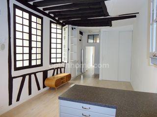 Appartement PARIS 3EME arr 56 m² ()