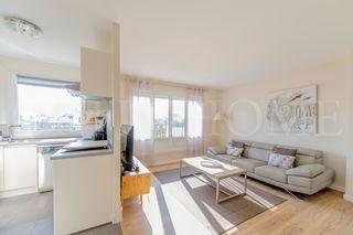 Appartement en résidence PARIS 15EME arr 69 m² ()