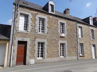 Maison en pierre FOUGERES 81 m² ()