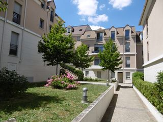 Appartement PONTOISE 63 m² ()