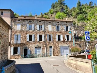 Maison SAINT SAUVEUR DE MONTAGUT 225 m² ()