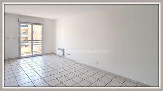 Appartement CHATEAURENARD 48 m² ()