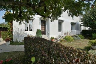 Maison SAINT CYR SUR LOIRE 122 m² ()