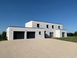 Maison contemporaine SAINTE MARIE DU LAC NUISEMENT 222 m² ()