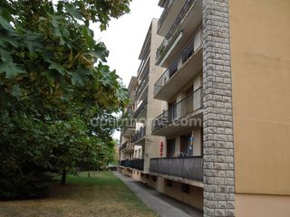Appartement BOURGOIN JALLIEU 66 m² ()