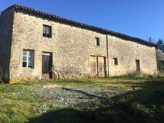 Grange BESSINES SUR GARTEMPE 250 m² ()