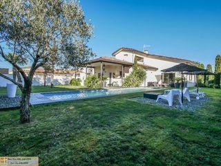 Maison contemporaine SEILH 211 m² ()