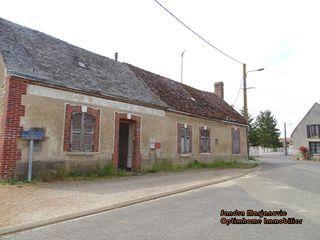 Maison à rénover VOVES 93 m² ()