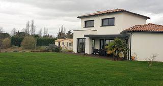 Maison contemporaine SAINT LOUP CAMMAS 130 m² ()