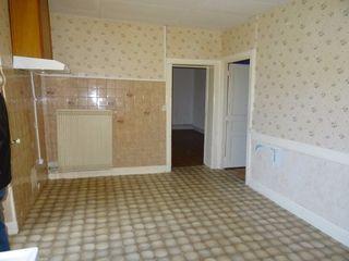 Appartement à rénover AUZAT LA COMBELLE 73 m² ()