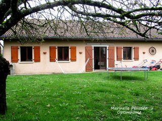 Maison BONNEVILLE 100 m² ()