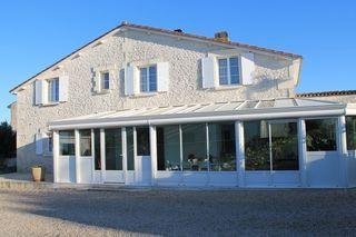 Maison en pierre SAINT LAURENT DE COGNAC 140 m² ()