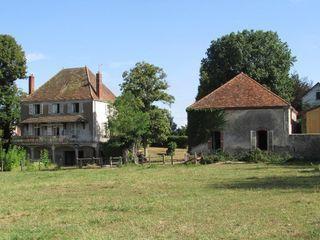 Maison de maître PALINGES 165 m² ()