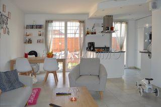 Maison en résidence CHATEAUNEUF LES MARTIGUES 68 m² ()