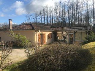Maison plain-pied CARSAC AILLAC 190 m² ()