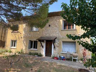 Maison en pierre SAINT VICTOR LA COSTE 185 m² ()