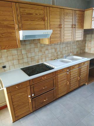 Appartement en résidence LAVAL 65 m² ()