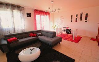 Maison LA CHAPELLE SAINT URSIN 87 m² ()