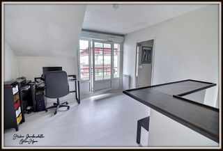 Appartement CARRIERES SOUS POISSY 34 m² ()
