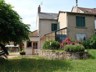 Maison de campagne CHATEL MONTAGNE 105 m² ()