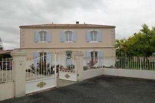 Villa SAUJON 178 m² ()
