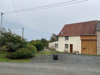 Maison de village LAFAT 92 m² ()
