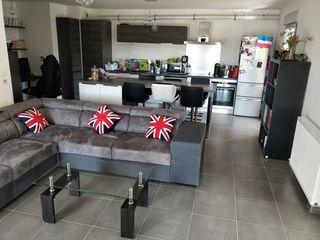 Appartement SIMIANE COLLONGUE 90 m² ()