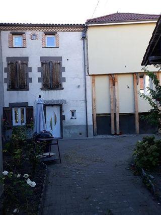 Maison ENTRAIGUES 95 m² ()