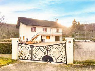 Maison BELLEY 100 m² ()