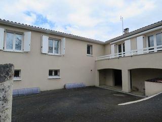 Maison individuelle ROULLET SAINT ESTEPHE 105 m² ()
