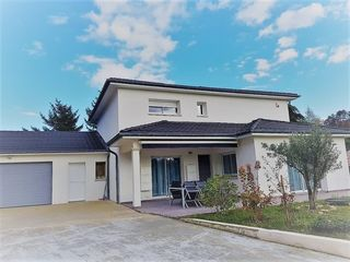 Maison AGNIN 160 m² ()