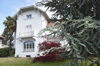 Maison de caractère DAX 205 m² ()