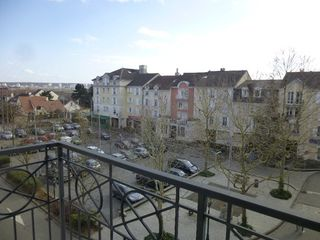 Appartement CARRIERES SOUS POISSY 47 m² ()