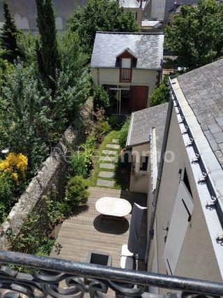 Maison bourgeoise LAVAL 246 m² ()