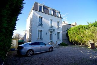 Maison bourgeoise COLOMBES 170 m² ()