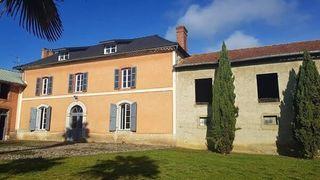 Maison de caractère TARBES 270 m² ()